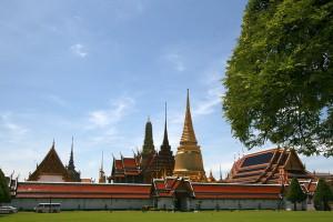 Ein Mietwagen in Bangkok genießen